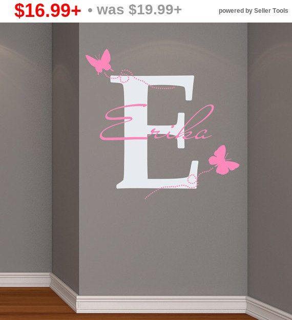 Schwarzen Fiday Verkauf! Wand Aufkleber Vinyl Aufkleber Abziehbild Home Decor Art Wandbilder Monogramm Initial personalisierte benutzerdefinierten Namen Baby Butterfly Girl Nur...