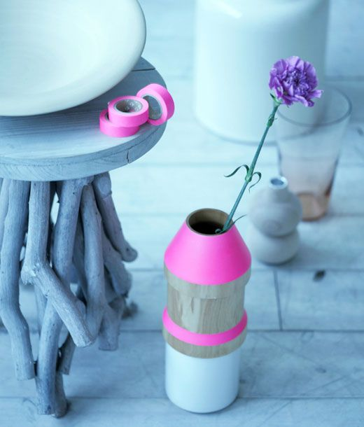 ¡Dale un toque neón a tu hogar! http://www.thelemonpear.com/2013/06/decorar-toque-neon.html