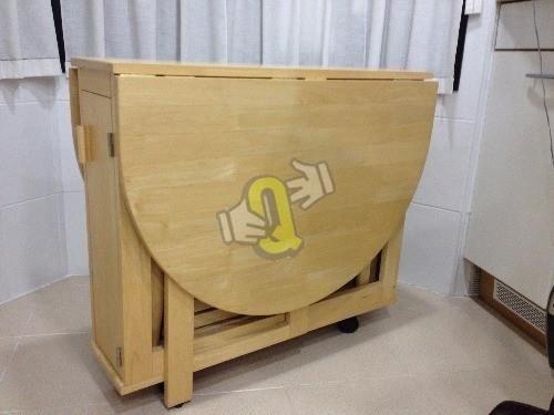 mesa ovalada con alas abatible y 4 silla