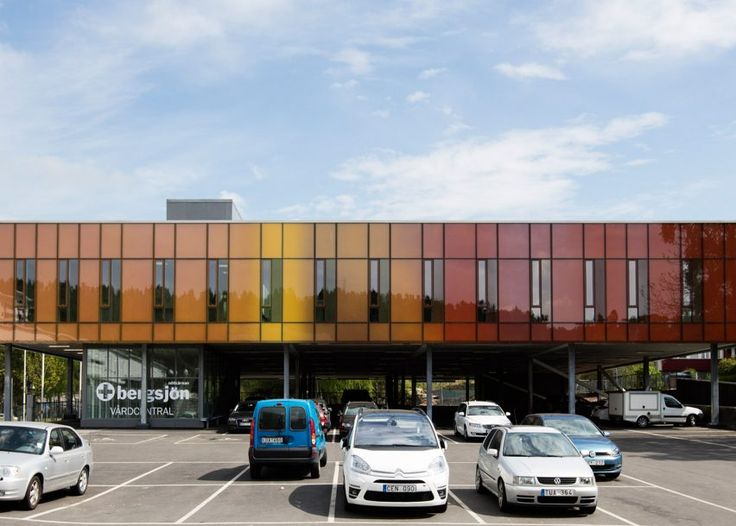 This private health clinic was designed for a Gothenburg suburb that has a high influx of Somalian refugees. The death-rate among Somalian children is the highest in the world, so the centre provides treatment for mothers.