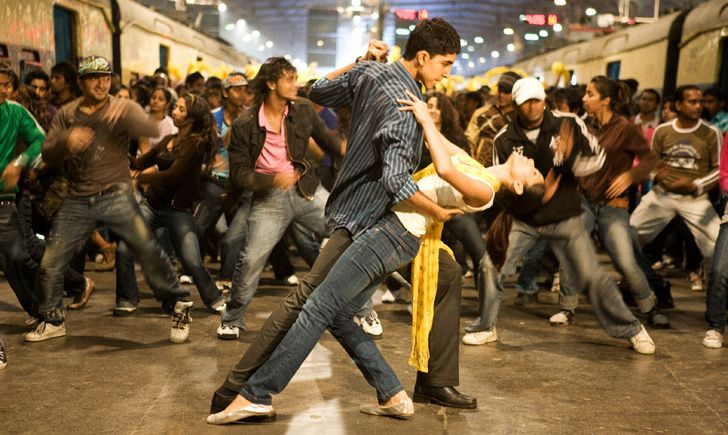 the end scene in slumdog millionaire- I gets me every time!