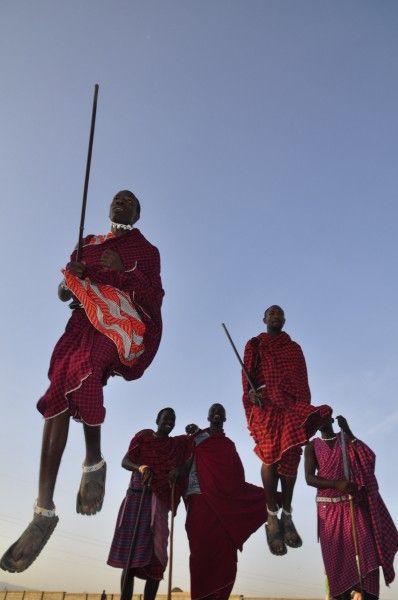 Africa Overland Tours: Zambia to Kenya   African photo safari