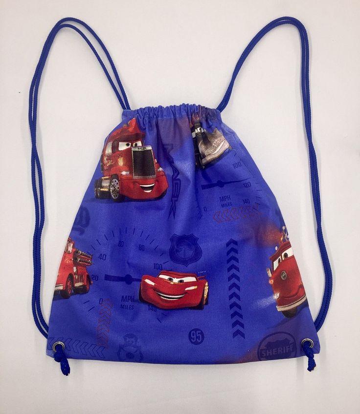 Bonjour, Un sac à dos pour mes neveux et c'est l'occasion de faire un tuto couture. Ils ont choisi chacun 1 tissu et je leur ai confectionné un sac à dos. J'ai donc filmé les étapes de ce sac très simple, qui fait le bonheur des enfants. Vous pouvez augmentez...