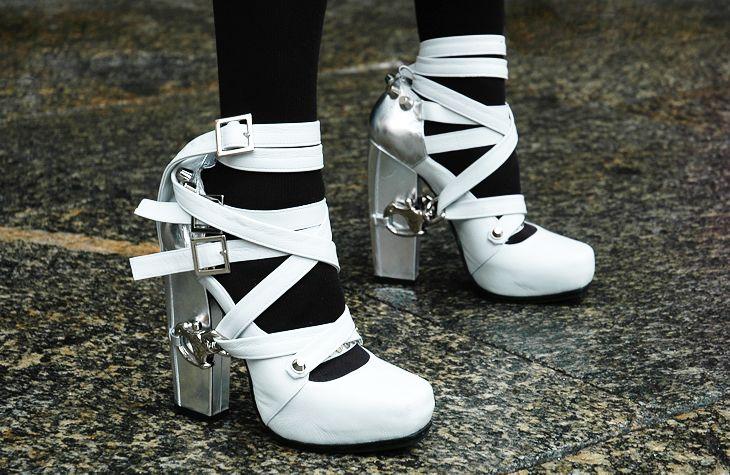 candy.Shoes Whore, Metals Heels, White Shoes, Fashion Shoes, Style, Shoes Fit, Rodarte A W, Rodarte F W, Delight Shoes