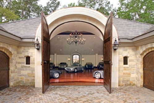 10 images about beautiful garages on pinterest for Garage gallieni nice