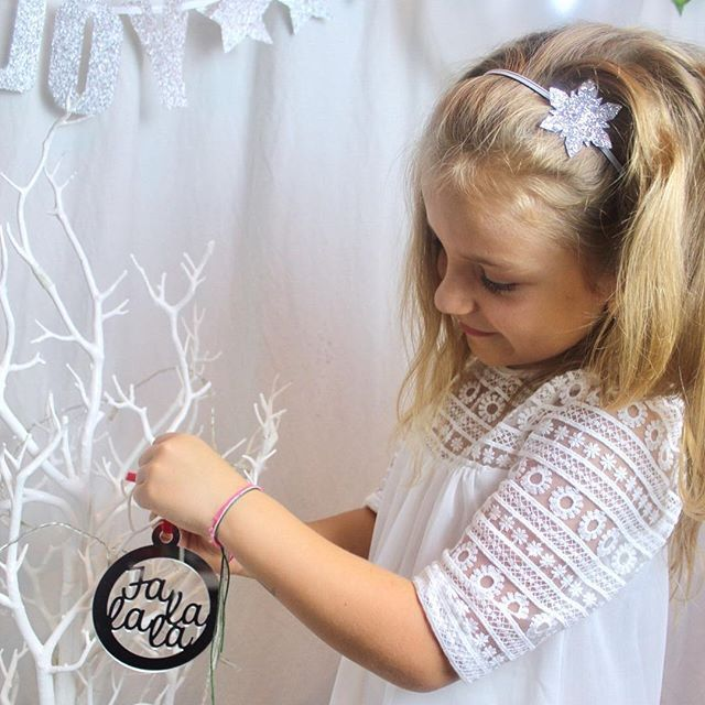 Magic ✨ . The Christmas collection is available until tonight✨ It will be back sometime in October for a restock, so early birds the time is now :) . Have a fabulous night guys✨ . . . . #christmas #christmas2017 #christmasdecorations #falalalala #mpsandtsc #uniquepartygifts #smallbusiness #kidsinteriors #childrensinteriors #kidsparty #childrensroom #playroomdecor #handcrafted #nurseryinspo #partystyling #personalised #customorder #homedecor #nurserydecor #partydecor #kidsroom #wallart…