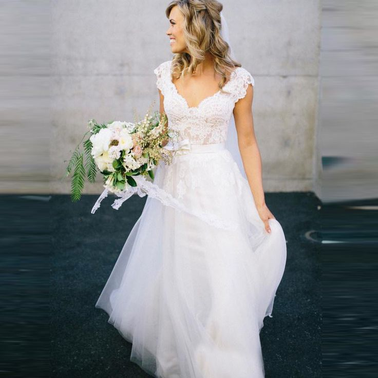 Find More Wedding Dresses Information about Bohemian Hippie Style Wedding Dresses 2015 Design with Long Skirts 2016 Cheap Boho Chic Beach Country Bridal Gowns,High Quality wedding dress new,China wedding dress deals Suppliers, Cheap wedding dress portrait from SuZhou Louise Trading Co.,LTD on Aliexpress.com