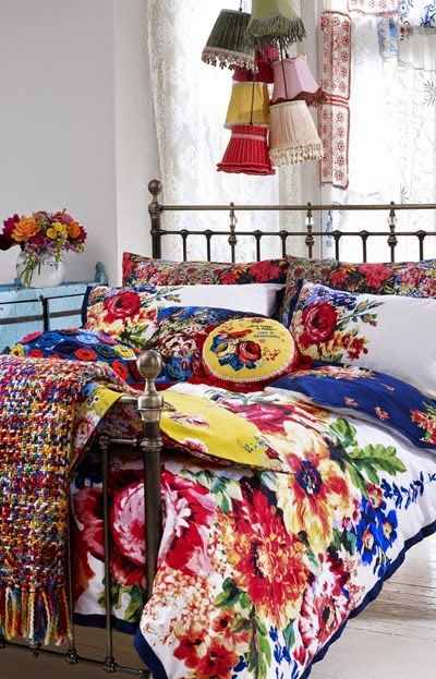 Lia Leuk Interieur Advies Lovely Interior Advice Vibrant Colors Floral Bedroomfloral Beddingfloral Fabricbedroom Decorfloral
