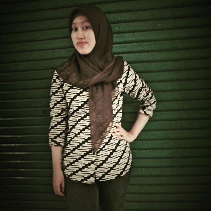 Wariza MODES I wearing batik.
