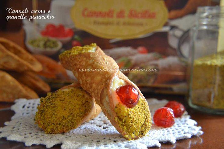 Cannoli con crema e granella di pistacchio una variante del nostro classico CANNOLO CON RICOTTA che ho preparato come dolce della Domenica