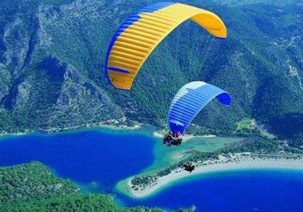 #paraşütleatlama #tekneturu #dalış #bisikletturu ve daha birsürü aktiviteyi Korsan Ada Hotel'de yapabilirsiniz. www.korsanadahotel.com