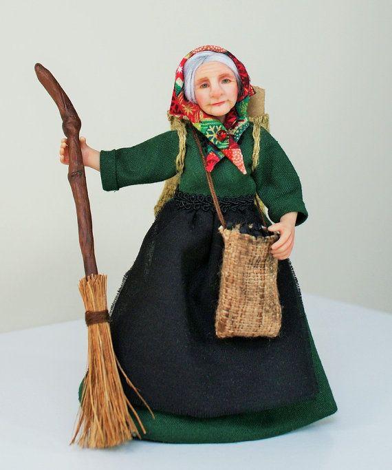 Ich möchte Ihnen die Weihnachts-Hexe La Befana vorstellen. Italienische Legende wurde eine alte Dame nach dem Weg durch die drei weisen auf dem Weg um das Jesuskind zu erfüllen gebeten. Sie lehnte ihr Angebot, zusammen mit ihnen zu reisen, aber später bereut dies und machte sich auf ihr eigenes, das Baby zu finden. Sie war nicht in der Lage, ihn zu finden, und jedes Jahr am 5. Januar, La Befana fliegt auf ihrem Besen von Haus zu Haus auf der Suche nach dem Jesuskind, ein Geschenk für die…