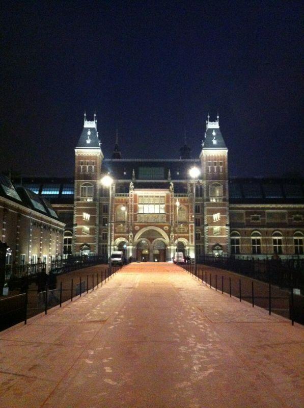 Rijksmuseum, A'dam. Naar het tijdelijke Rijks geweest nu nog naar het vernieuwde... Wishlist :)