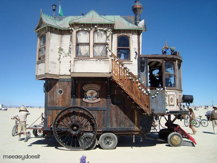 Howls moving castle spectacular indeed abodes pinterest the gypsy burning man and house - The house on four wheels ...