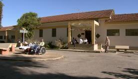 Fachada do Colônia, conhecido com o maior hospício do Brasil. Hoje, o local abriga o Centro Hospitalar Psiquiátrico de Barbacena e conta com 171 pacientes em regime de internação de longa permanência