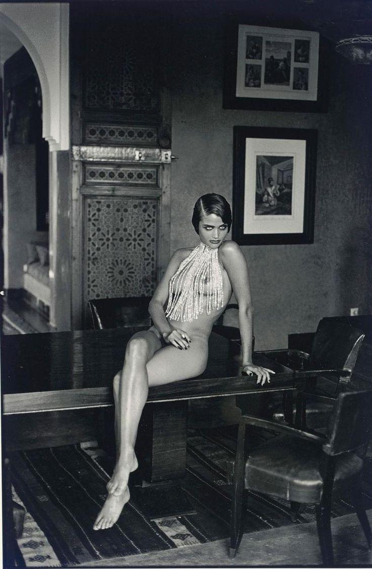 Helena Christensen, Marrakech, 1990.jpg