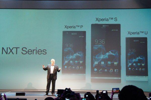В последние годы позиции компании Sony на мобильном рынке пошатнулись, но она прилагает все усилия, чтобы сделать эффектный «камбэк». Частично ей это удалось, за счет планшетов Tablet S и интересных по дизайну смартфонов Xperia. Однако в портфолио компании до сих пор нет сильного флагмана, и она об этом знает.    Не только знает, но и планирует предложить топовое устройство:    «В ближайшем будущем мы создадим флагманский смартфон, который сможет конкурировать с Apple iPhone и Samsung Galaxy…