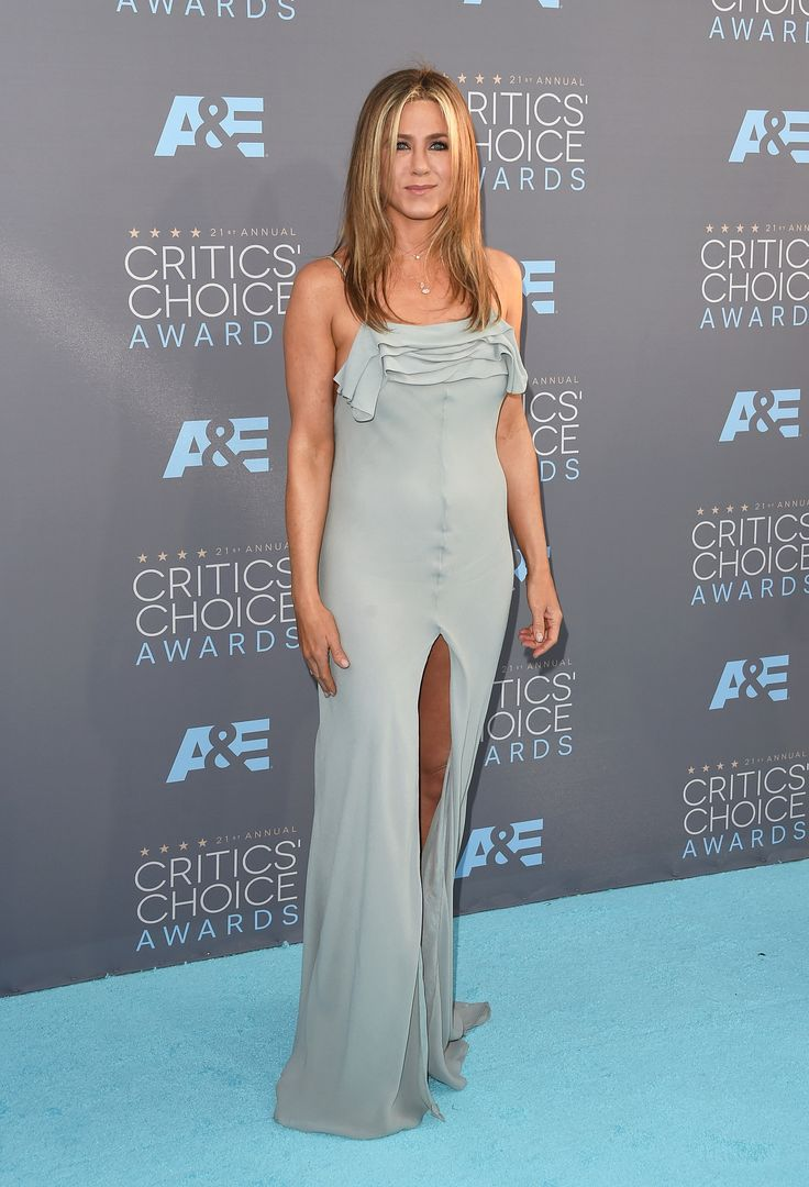 Jennifer Aniston in Saint Laurent bei den Critics' Choice Awards