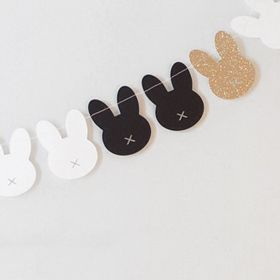 Piccolo Studio - Bunny garland (black, white & gold)