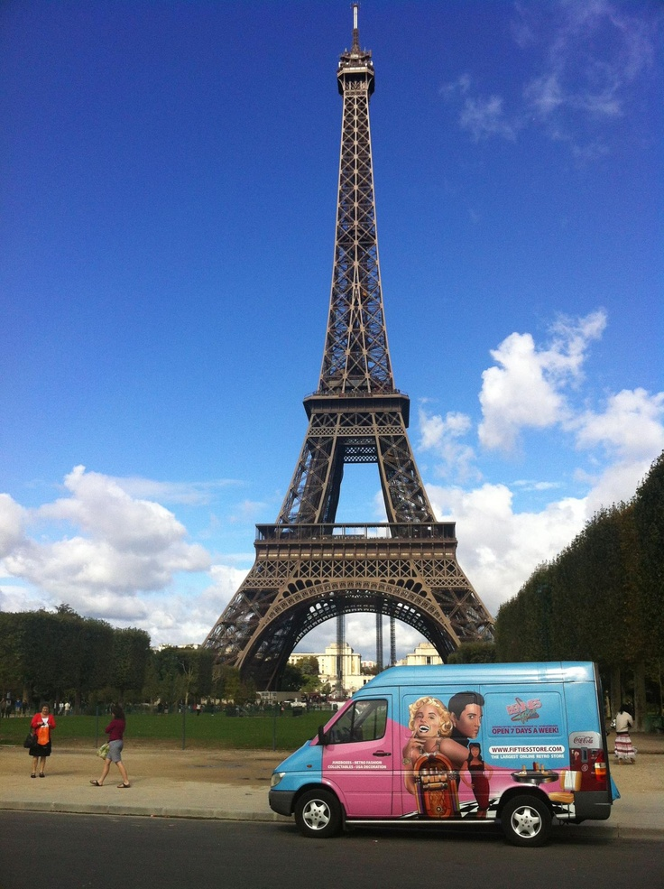 A Visit to Paris with our Picking Van http://www.benniesfifties.com