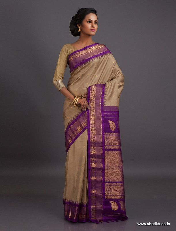 The simplicity of this Gadwal silk shouts out elegance, grace and poise. The beautiful play of colors leaves you in awe. Gadwal sarees are renowned for admirable zari patterns and well-crafted pure silk kuttu borders and pallus. Exhibiting a remarkable trait of getting folded down to the size of a matchbox, our Gadwal Silk Sarees online have demand throughout the country.