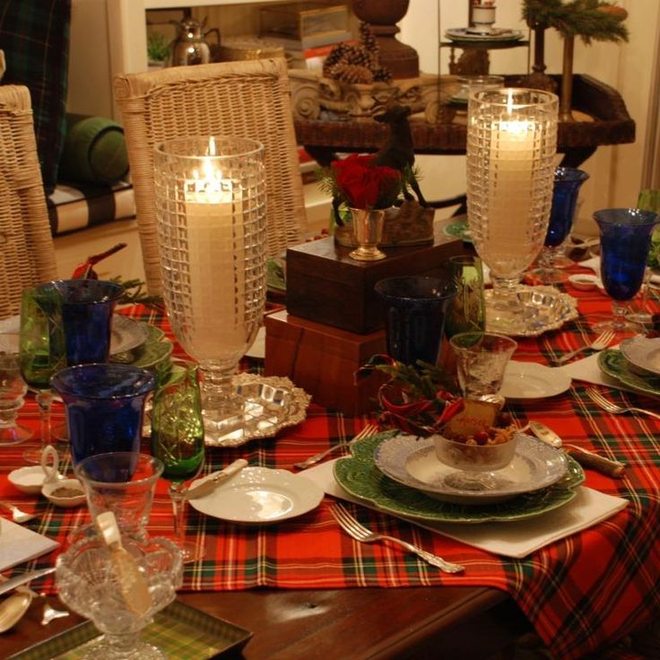 Christmas dining table Christmas Plaid Pinterest  : 2f2cad3a77737471d6a4232927b3648a holiday centerpieces christmas tablescapes from www.pinterest.com size 736 x 736 jpeg 98kB