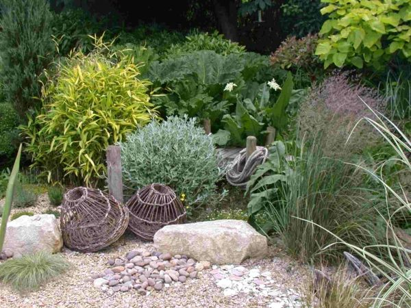 dekoartikel hol Gartengestaltung mit Kies und Steinen seil brücke - garten mit grasern und kies