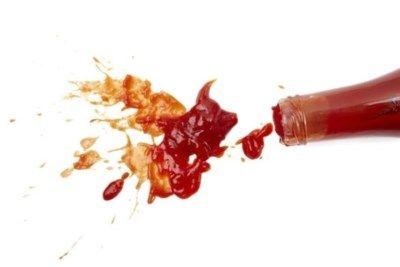 Ketchup op dat nieuwe witte jurkje of grasvlekken op uw favoriete linnen broek? Dat geeft lastige vlekken, maar dat betekent niet dat het kledingstuk er ni...