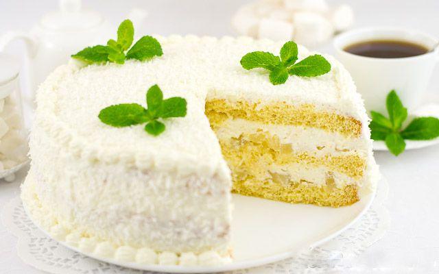 Veľmi jemná a samozrejme vynikajúca torta s ananásom.
