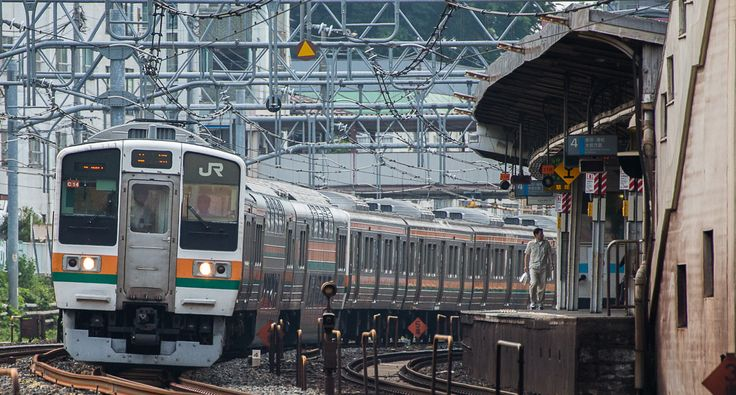 series 211 middle range commuter train JR-East(Photo by Showa Express)