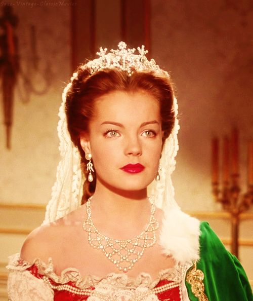 Sissi 2 Romy Schneider in a scene with the Hungarian delegatin