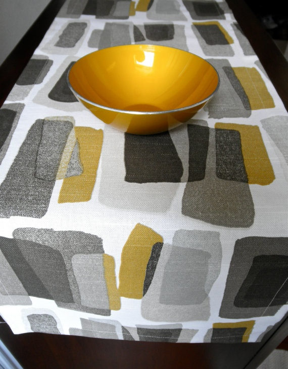 Best 20 Dining table runners ideas on Pinterest Dining room