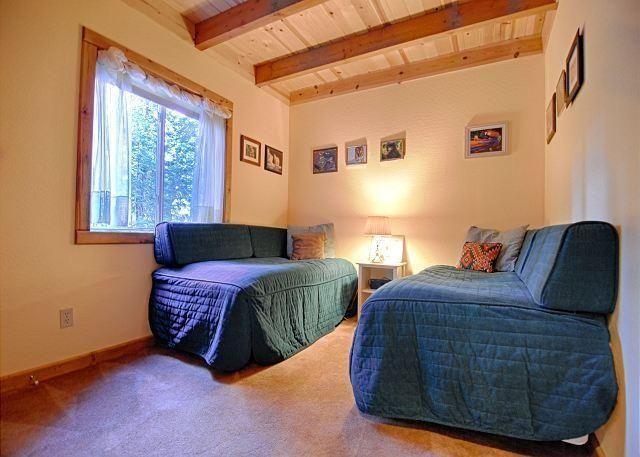 Woodacre Home by Tahoe Vacation Rentals - #VacationHomes - $187 - #Hotels #UnitedStatesofAmerica #TahoeCity http://www.justigo.com.au/hotels/united-states-of-america/tahoe-city/woodacre-home-by-tahoe-vacation-rentals_88748.html