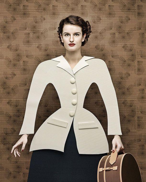 Dame di Cartone («dames en carton») est un projet du photographe Christian Tagliavini où les robes sont entièrement composées de carton découpé.
