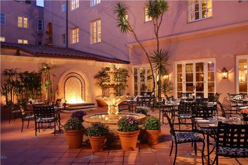 La Valencia Hotel offers elegant, upscale accommodations for visitors to La Jolla and the greater San Diego area