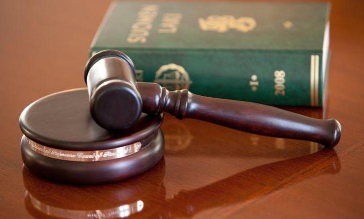...vaikka korkeimman oikeuden peräseinään saakka. Vastaa hovioikeuksia ja korkeinta oikeutta koskevaan muistitiedon keruukilpailuun 31.3.2015 mennessä!