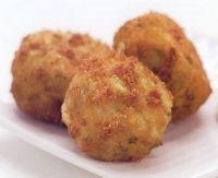 Ingrediënten (20 stuks): 450 gram kruimige aardappels 500 gram vis (kabeljauw, schelvis, heek of zalm) 3 dl melk 1 grote...