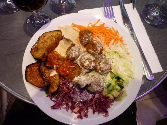 Chez H'Anna, 54 Rue des Rosiers, 75004 Paris, France (Hôtel-de-Ville), Fallafel, Kosher, Halal