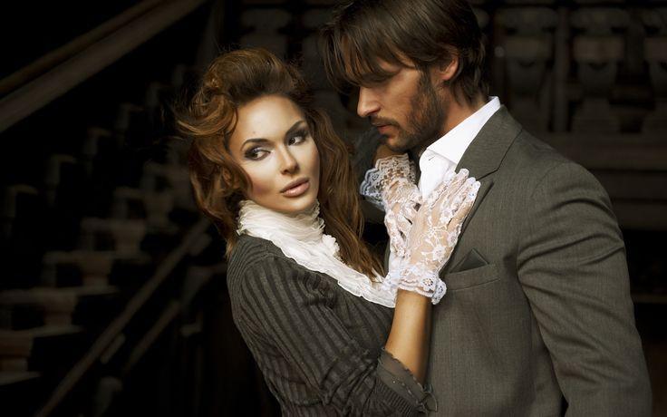 Цитаты о ревности.   Своих мужей всегда ревнуют некрасивые женщины. Красивым — не до того, они ревнуют чужих. Оскар Уайльд