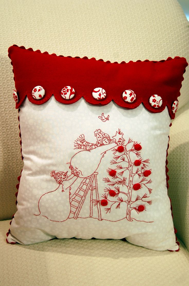 Very cute Christmas pillow! cojines Pinterest Christmas embroidery, Quilt pillow and Mixed ...