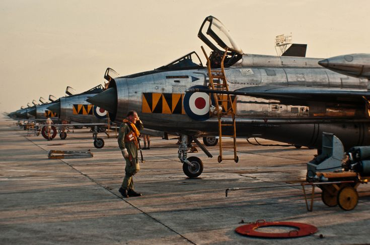 Lightning F6 74Sqn RAF Tengah preparing to fly to Cyprus to hand over it's F6's to 56Sqn to replace their F3's