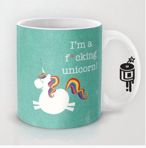 Vous savez quand jai vraiment besoin de dire au monde que je suis une licorne ? Quand jai besoin de café!!! Ce sup va remonter le même la