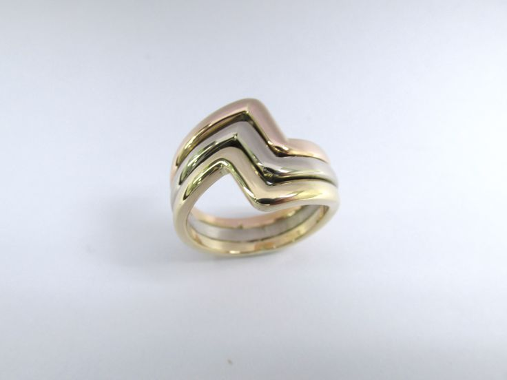 ¿Te gusta este diseño?  moderno estilo en 3 colores oro de 18k fabricado a mano  R841 #duranjoyerosbogota #joyasbogota #hermosasjoyas #hechoamano #oro #joyeria #joyas #gold #handmade #jewellry #compracolombiano #colombia