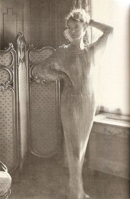 Lillian Gish, in one of her many Fortuny gowns, sometime around 1928. Tennessee Williams carried this photograph with him for many years. #FolliesofGod