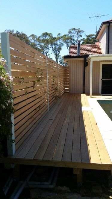 Blackbutt decking & Screen | | #decks #outdoorlife #living #house #interiordesign #style #sydney #northernbeaches #ashandbark #interior #woodworking #handmade #furnituredesign #shop #office #carpentry