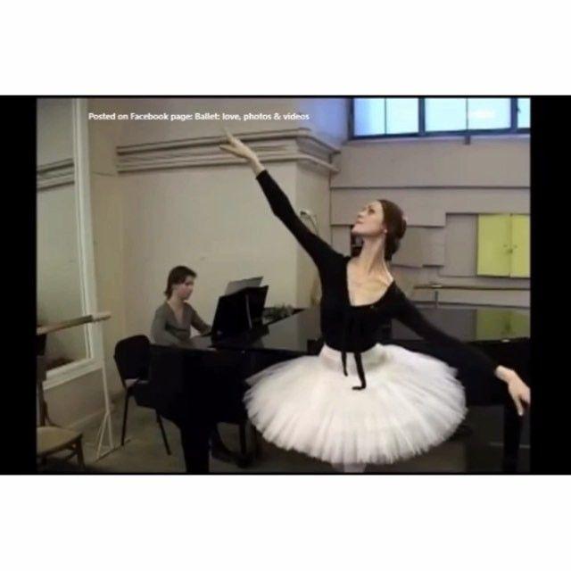 Pure perfection. ✨ #uliyanalopatkina #paquita #rehearsal
