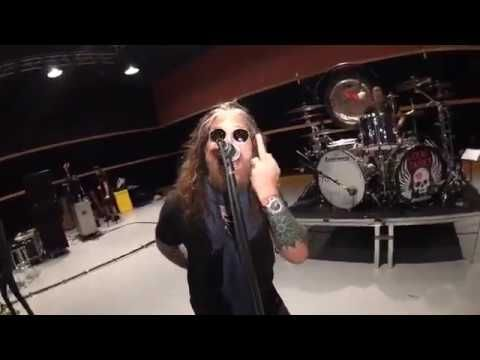 The Dead Daisies - Mainline - Live from rehearsal - NYC, May 2017 https://www.youtube.com/watch?v=97Gzo8_punw