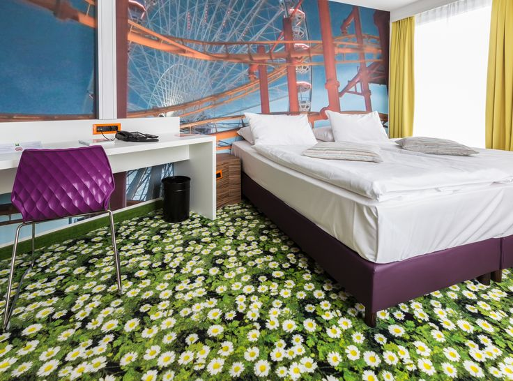 What a great printed floral carpet !