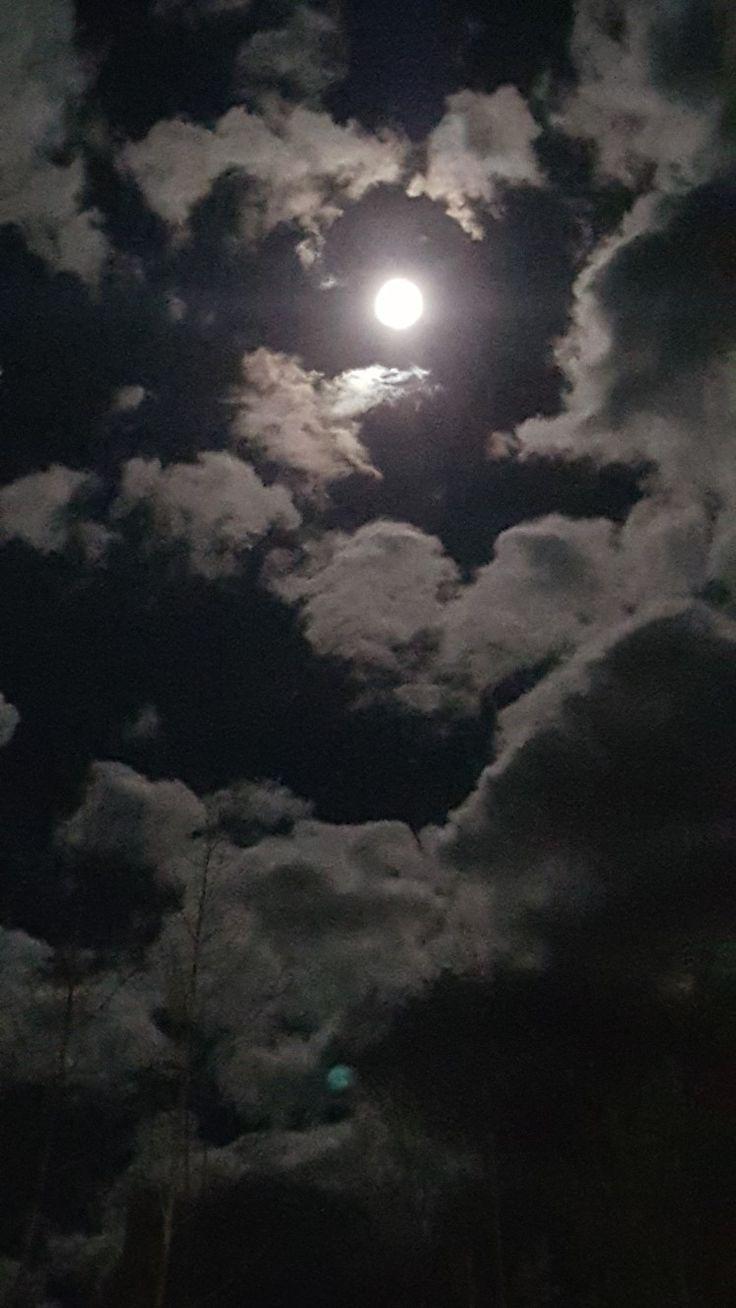 Pin By Hala Abuawad On Himmel Night Sky Photography Sky Aesthetic Moon Photography