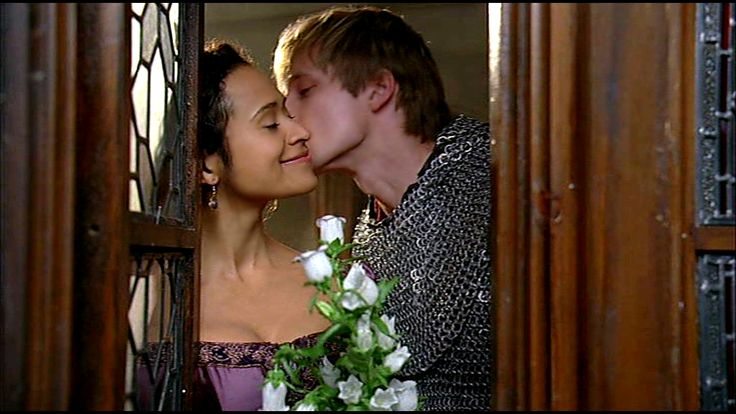 Flowers: Arthur and Guinevere (3) - arthur-and-gwen Photo